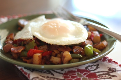 crispy-onion2c-red-potato2c-bell-pepper-and-mushroom-skillet-2