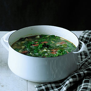 red-russian-kale-chorizo-soup-su-x